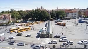 Единственная площадь в Венеции, куда допущен автотранспорт
