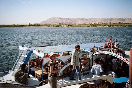 В ожидании переправы через Нил.