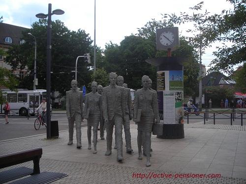 Скульптурная группа в деловой части города (Чешские Будеёвице)