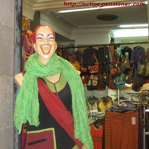 Жизнерадостные манекены Барселоны.