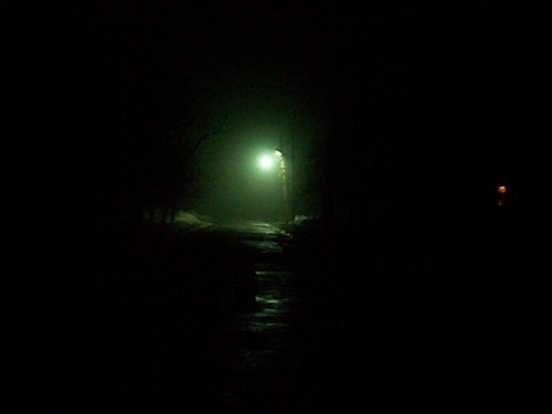 Одинокий фонарь