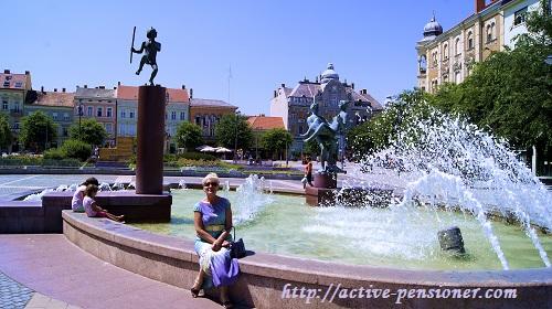 Сомбатхей, фонтан на центральной площади