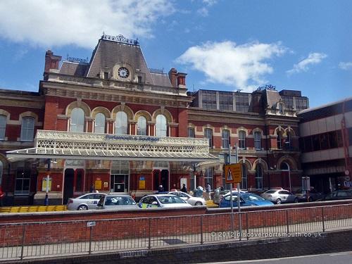 Вокзал в Портсмуте (Portsmouth train station)