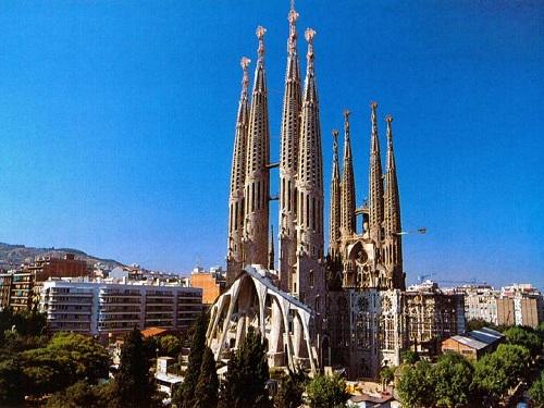 Базилика Святого Семейства (Sagrada Familia)
