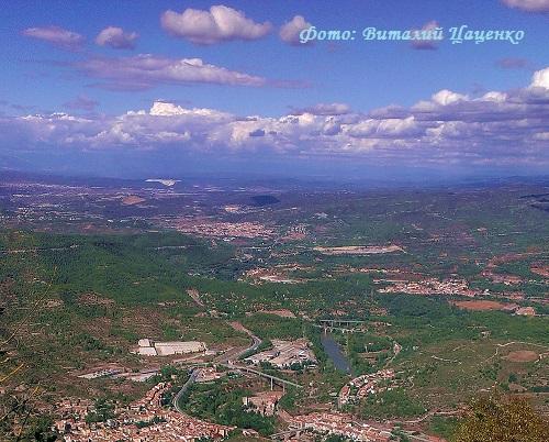 Каталония (вид от монастыря Монсеррат)