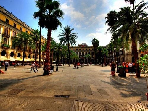 Королевская площадь (Барселона)