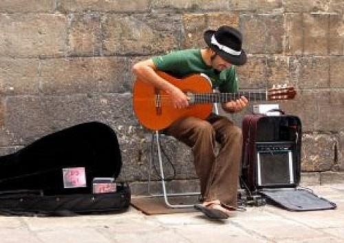Уличный гитарист (Барселона)